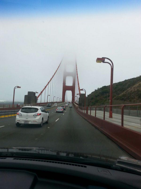 A neblina surge na paisagem da travessia da Golden Gate: presença constante. Foto: Malu Longo
