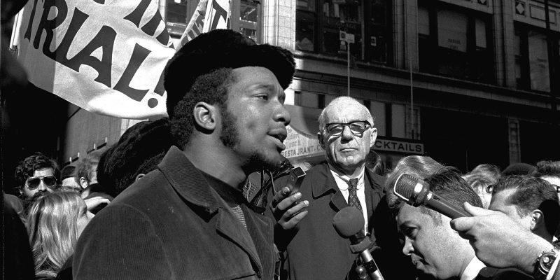 O líder black panther Bob Seale, na época de seu julgamento: perseguição