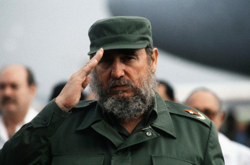 Fidel Castro com sua indefectível farda verde-oliva: uma ditadura implacável com oponentes