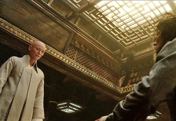 Cena de Doutor Estranho: blockbuster que fala do que significa a vida, a morte e o tempo. / Crédito: Marvel