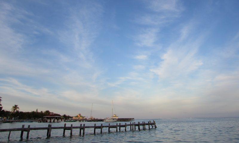 Céu e mar em sintonia: paisagens belíssimas. / Foto: Rogério Borges