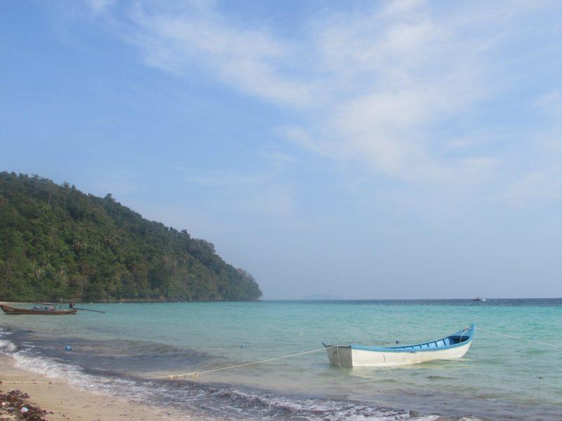Praia de Loh Moo Dee, em Phi Phi: verdadeiro paraíso. / Foto: Rogério Borges