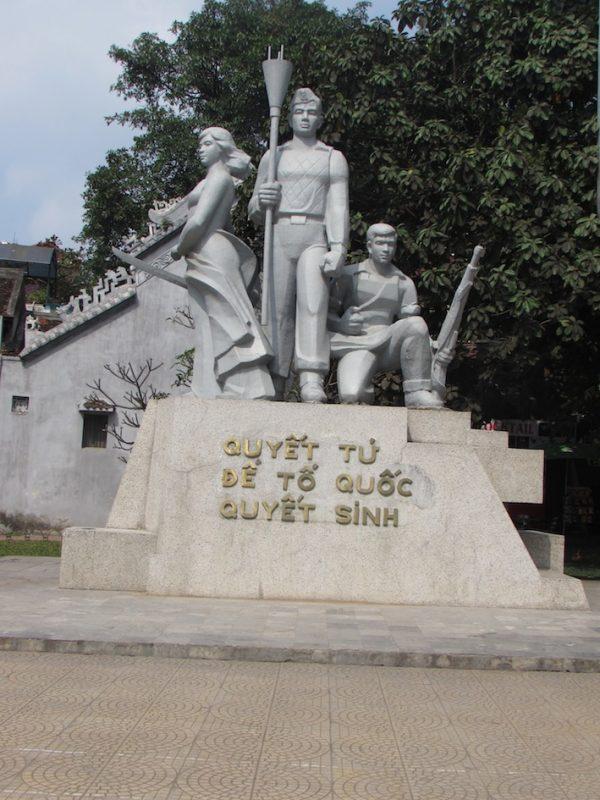 Monumento que lembra os combatentes da Guerra do Vietnã: lembranças amargas e dolorosas. / Foto: Rogério Borges