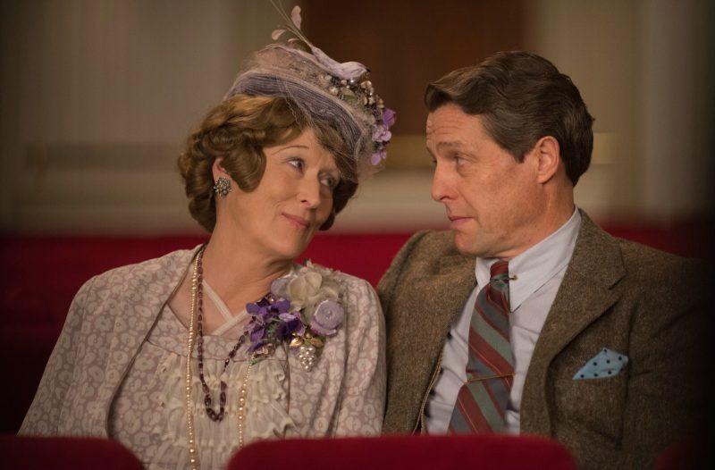 Meryl Streep e Hugh Grant em Florence: um amor verdadeiro, mesmo com infidelidade. / Foto: Divulgação