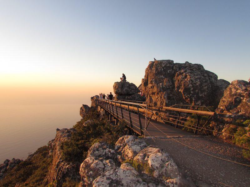 O sol de põe diante da Table Mountain: momento único. / Foto: Rogério Borges