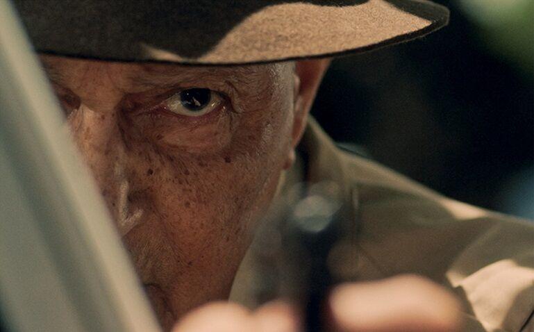 Nelson Xavier como o pistoleiro Amador, em Comeback: trabalho preciso e despedida. / Foto: Divulgação