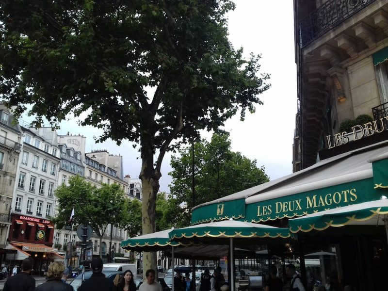 Les Doux Magots e : bares de grandes encontros. / Foto: Rogério Borges