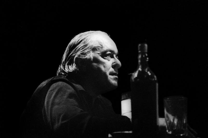 Vinicius de Moraes: ícone da MPB era famoso por cantar e consumir a bebida