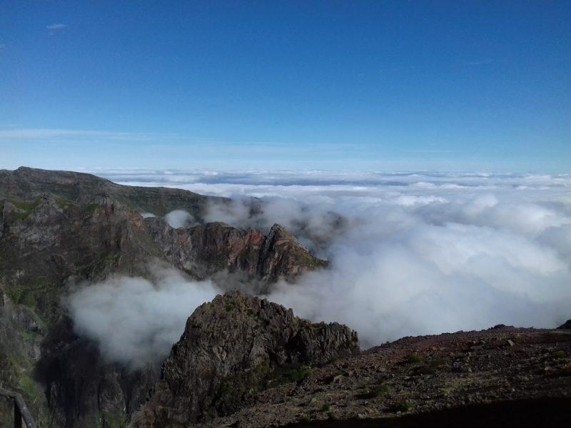 Relevo acidentado da Ilha da Madeira: aventuras não faltam. / Foto: Rogério Borges
