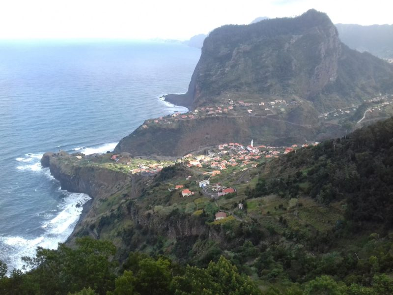 Costa da Ilha da Madeira: povoados pacatos e aconchegantes. / Foto: Rogério Borges