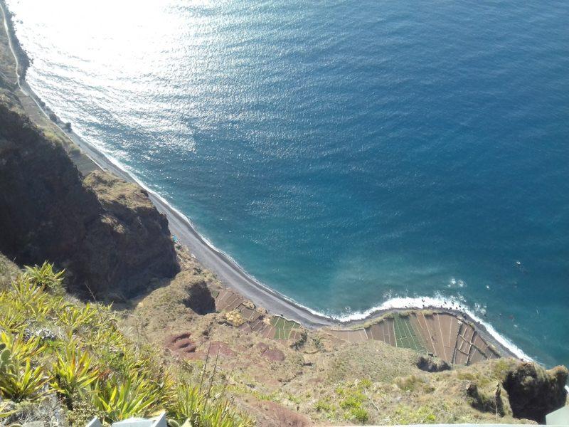 Vista da plataforma sobre o Cabo Girião: maior promontório da Europa. / Foto: Rogério Borges
