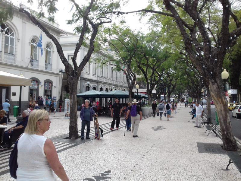 Centro antigo de Funchal: bons restaurantes e ambiente agradável. / Foto: Rogério Borges