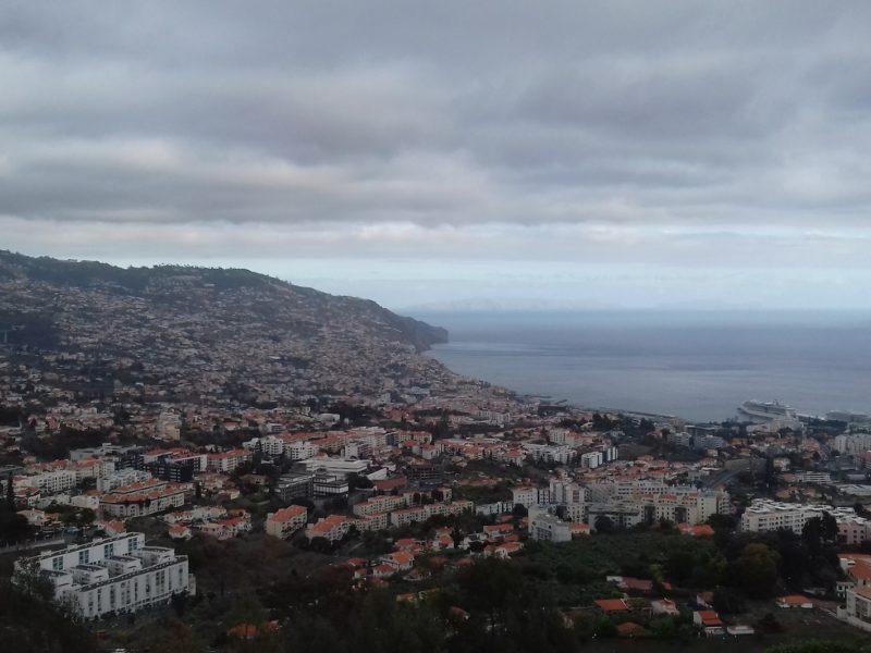 Vista de Funchal, capital da Ilha da Madeira: cidade que sobe os morros. / Foto: Rogério Borges