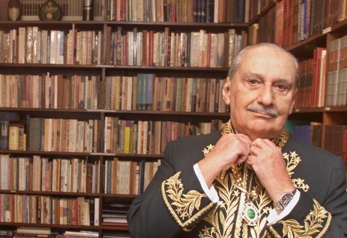 Cony de fardão: ele era membro da Academia Brasileira de Letras. / Foto: ABL