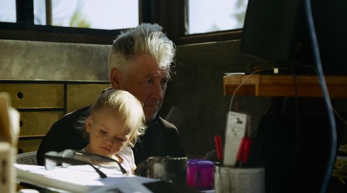 Lynch e sua filha caçula, Lula: intimidade familiar preservada. / Foto: Divulgação