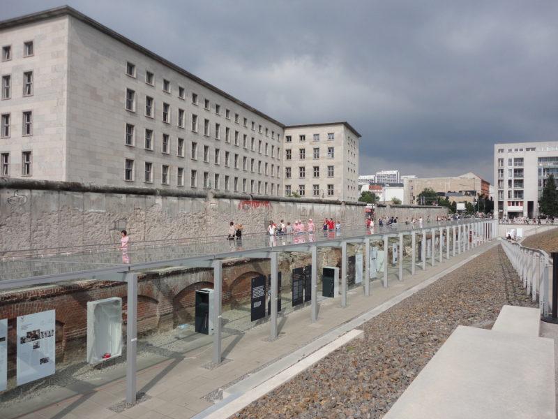 Museu Topologia do Terror, antiga sede da Gestapo, em Berlim: memórias do horror / Foto: Rogério Borges