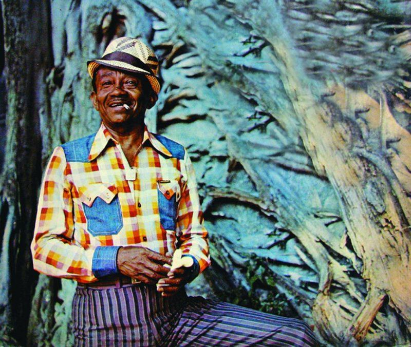 Jackson do Pandeiro e suas conhecidas roupas coloridas: o imaginário nordestino ganhou o Brasil