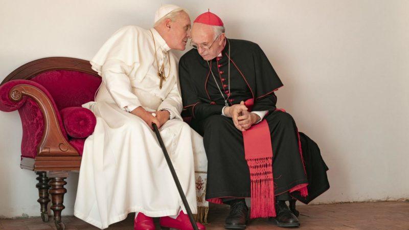 Anthony Hopkins e Jonathan Pryce interpretam Bento XVI e Francisco: papas em diálogos francos