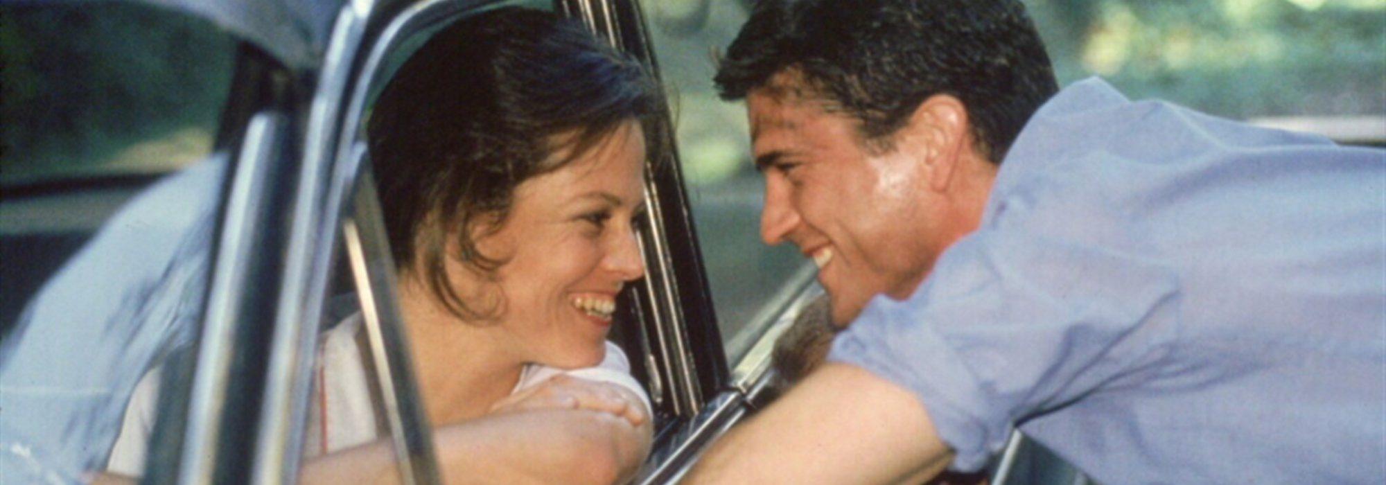 Imagem: cena do filme O Ano que Vivemos em Perigo (1982)