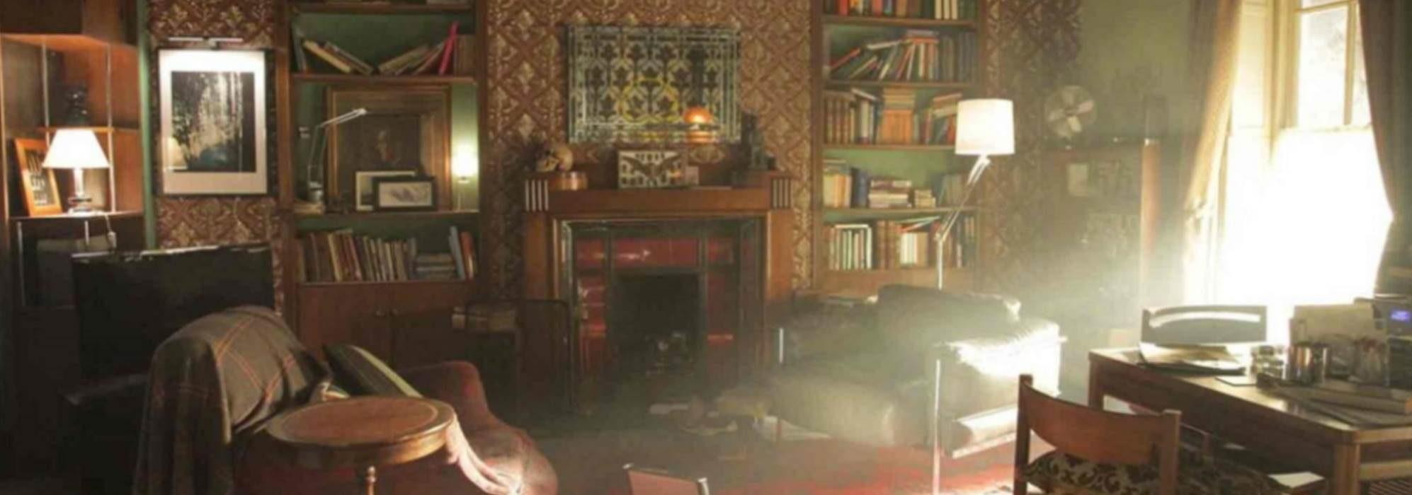 Imagem: sala do apartamento de Sherlock Holmes na série Sherlock (BBC)